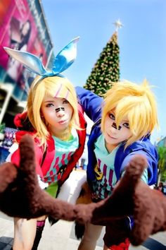 Image uploaded by Myuki. Find images and videos about cosplay, vocaloid and kagamine rin on We Heart It - the app to get lost in what you love. Epic Cosplay, Cosplay Diy, Amazing Cosplay, Cosplay Costumes, Vocaloid Cosplay, Lolita Cosplay, Anime Cosplay, Kagamine Rin And Len, Harajuku Girls