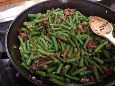 Green Beans with Bacon is a easy side dish that is full of flavor that everyone will love, even picky eaters.