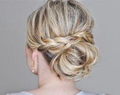 Madrinhas de casamento: Penteados de festa para cabelos médios