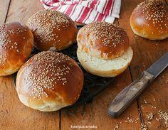 Bułeczki hamburgerowe Fun Baking Recipes, Cooking Recipes, Polish Recipes, Bread Rolls, Buns, Baked Goods, Ale, Biscuits, Grilling