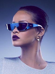 Style-Queen Rihanna bringt mit Dior ihre eigenen Luxus-Sonnenbrillen auf den Markt – und zeigt uns diesen Schnappschuss als Vorgeschmack!