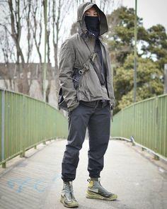 Kevin K : acronym/ / cyberpunk / bagjack Moda Cyberpunk, Cyberpunk Clothes, Cyberpunk Fashion, Apocalyptic Fashion, Monochrome Fashion, Future Fashion, Urban Outfits, Urban Fashion, Steampunk Fashion