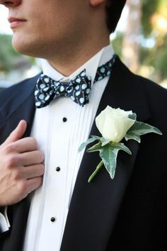 Bow ties are very special – they are elegant, quirky and playful! They definitely take a prominent place in the stylish groom's attire. But should a bow Wedding Shoot, Wedding Blog, Wedding Styles, Dream Wedding, Wedding Ideas, Button Holes Wedding, Southern Wedding Inspiration, Groom And Groomsmen, Elegant