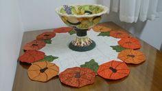 Centro de mesa   em patchwork e fruteira pintada a mão