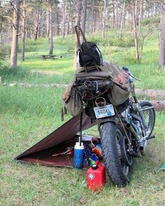 Motorrad Camping - Today's service will be outside, on a motorcycle - Auto Camping, Motorcycle Camping, Bobber Motorcycle, Moto Bike, Camping Gear, Motorcycle Touring, Touring Motorcycles, Women Motorcycle, Harley Davidson Iron 883