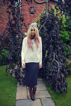 Jade Turner wearing UO's dress #urbanoutfitters #maxi #pinkhair