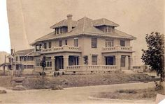 The T.S. Miller home at 101 N. Montclair at Jefferson is one of two original Winnetka Heights mansions still standing.  Oak Cliff tx