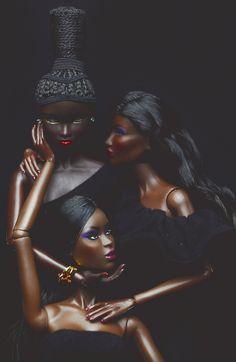 Annik Pop of Color by Eric Win African Dolls, African American Dolls, African Art, Fashion Royalty Dolls, Fashion Dolls, Art Noir, Diva Dolls, Pelo Natural, Black Women Art