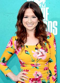 Everyone should watch Unbreakable Kimmy Schmidt, starring Ellie Kemper