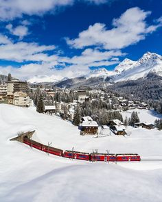 "Werner Dieterich on Instagram: ""The Rhaetian Railway in Arosa. Since 1914 the Arosabahn connects Arosa with Chur. #rhätischebahn #rhätische #bahn #arosa #graubünden…"" Chur, Swiss Railways, Homeland, Switzerland, Mount Everest, Travel Tips, Germany, England, Snow"
