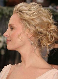 pictures of updos that are soft and sexy | Uma Thurman's wavy chignon is a sexy way to wear wavy hair. Steal her ...