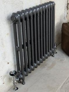 Sabino - like these for first floor Cast iron 2 column Victorian radiators in foundry grey Victorian Radiators, Old Radiators, Column Radiators, Cast Iron Radiators, Victorian Terrace, Victorian Homes, Victorian Hallway, Renaissance, Grey Hallway