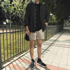 35 ideas for baby boy aesthetic clothes Stylish Mens Outfits, Casual Outfits, Men Casual, Look Fashion, Fashion Outfits, Mens Fashion Shorts, City Fashion, Fashion Fall, Korean Fashion Men