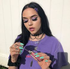 Shared by Caillin Wright. Find images and videos about girl, fashion and hair on We Heart It - the app to get lost in what you love. Maggie Lindemann, Purple Aesthetic, Aesthetic Makeup, Aesthetic Clothes, Aesthetic Style, Aesthetic Pictures, Beauty Makeup, Makeup Inspo, Hair Makeup