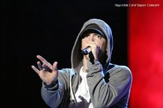 Eminem's New Album Release Date Delayed, Rap god Takes on New Project - http://www.hofmag.com/eminem-new-album-update-rap-god-takes-new-projects-album-delayed/160531