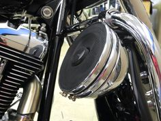 Why is this bike king of the road?! Maybe because it looks and sounds incredible! Our West Carrollton team just made this Harley-Davidson Road King owner's audio dreams into reality, thanks to an Arc Audio MOTO600.4 amplifier, a tank-mounted iPod interface (to serve as the central control unit), and Focal speakers mounted in the saddle bags and on the engine guard. With classic looks and modern audio technology, this bike rocks!