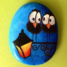 Birds on the light post painted rock Pebble Painting, Pebble Art, Stone Painting, Stone Crafts, Rock Crafts, Arts And Crafts, Kids Crafts, Painted Rocks Craft, Hand Painted Rocks