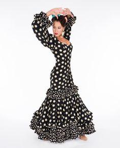 Los vestidos de flamenca de la colección Tokio son unos de nuestros fijos cada año, y 2016 no iba a ser menos. Visítanos y descubre los nuevos diseños.