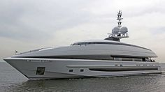 M/Y Crazy Me #yachtorganiser #superyacht #heesen