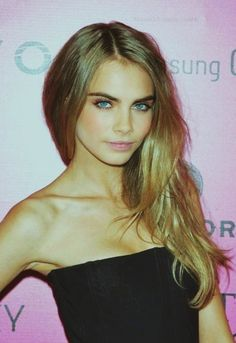 cara delevingne perfeeect hair - love her healthy, beautiful hair. At 19 this is how it should be. None of those nasty extensions because young girls have fried their hair. She is gorgeous!