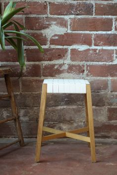 shaker stool