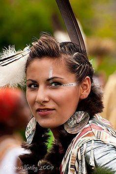 images of beautiful native american women - Bing images American Indian Girl, Native American Girls, Native American Beauty, Native American Photos, Native American Tribes, Native American History, Indian Girls, American Indians, American Art