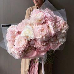 Boquette Flowers, Beautiful Bouquet Of Flowers, Luxury Flowers, Flower Boxes, My Flower, Planting Flowers, Beautiful Flowers, Wedding Flowers, Flower Aesthetic
