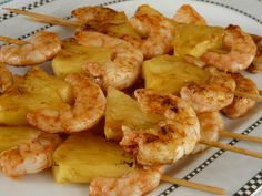 "Spanish ""tapa"" prawns and pineapple, We met a guy in mexico selling these on the beach.and no, we didn't get sick. Fish Recipes, Seafood Recipes, Gourmet Recipes, Healthy Recipes, Appetizer Sandwiches, Mini Appetizers, Mini Foods, Fish And Seafood, Easy Cooking"
