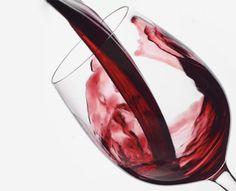 Composto do vinho pode impedir doença incurável em mulheres  O vinho já foi ligado a incontáveis benefícios à saúde, desde a prevenção contra o câncer até a perda de peso. Agora, cientistas  descobriram que uma substância encontrada na bebida pode impedir que mulheres desenvolvam a síndrome do ovário policístico (SOP)