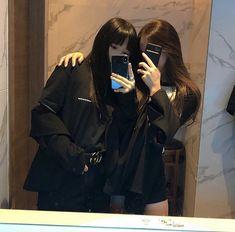Girl Group Pictures, Bff Pictures, Girl Photos, Korean Boys Ulzzang, Ulzzang Couple, Korean Best Friends, Tumbrl Girls, Korean Girl Photo, Girl Friendship