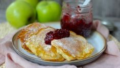 Fluffige Joghurt-Apfel Pancakes - Tasty Matter Pancake Healthy, Buttermilk Cake Recipe, Ham, Cake Recipes, French Toast, Recipies, Brunch, Food And Drink, Health Fitness