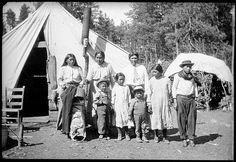 Oswald Smith family 1914 by Smithsonian Institution, via Flickr