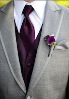 Fall Wedding Boutonnieres for Every Groom / http://www.himisspuff.com/fall-wedding-boutonnieres-for-every-groom/7/