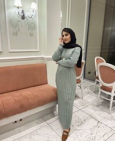 Hijab Winter Maxi Dress Outfits To Copy - Looking for Inspiration On How To Wear Long Dress Outfits For Winter, Then Keep Reading For Inspo On Ootd Hijab, Maxi Dress, Skirt Midi, Street Style Hijab Fashion, Skirt Outfits For Winter, Casual Outfits With Hijab Dress, Classy Hijab Fashion For Winter And Much More. #hijab #hijabfashion #winteroutfits #hijaboutfit #hijabdress