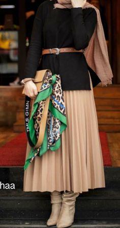 Modest Fashion Hijab, Modern Hijab Fashion, Hijab Style Dress, Muslim Fashion, Modest Outfits, Colorful Fashion, Fashion Outfits, Winter Mode Outfits, Stylish Dresses For Girls
