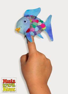 huisvolkleur: Mooiste vis van de zee, Niels Holgersson en een gratis patroon! Puppet Patterns, Pretend Food, Rainbow Fish, Fish Crafts, Games For Toddlers, Felt Toys, Preschool Activities, Handicraft, Needle Felting