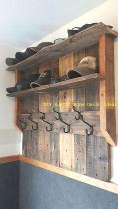 Wooden Pallet Projects, Wooden Pallets, Wooden Diy, Pallet Wood, Barn Wood, Diy Projects, Wooden Signs, Pallet Ideas Easy, Diy Ideas
