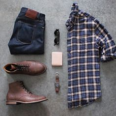 Hard to go wrong with denim, flannel, boots, and leather goods for fall (or anytime really🤓) 👖👞⌚️🍂 Boot Allen Walker, Mode Masculine, Casual Wear, Casual Outfits, Men Casual, Mens Business Casual Jeans, Country Casual, Casual Shirts, Look Fashion