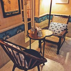 Tea house for breakfast in Mumbai / в Чайный дом на завтрак в Мумбае _______ Taj Mahal Tea house is The place for a late Saturday breakfast. Locatednear Pali Hills in a beautiful villa, tastefully renovated it offers that perfect experience of good food and good atmosphere. We tried the juicy Egg Benedict, crispy Belgian waffle. I would say the best I tried in India. I also ordered a superb tea with orange, cloves, cinnamon and cardamon.  ______ . . #mumbai #tajmahaltea #tajmahalteahouse…