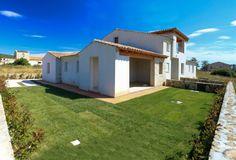 .Sardegna Budoni Alta. Villetta quadrivano con ampio giardino. Per dettagli www.orizzontecasasardegna.com  #budoni #sardegna #immobiliare #vendita #villetta