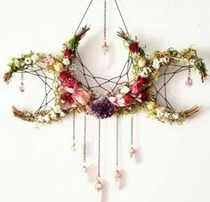 Pagan crafts - Flower crystal crescent moon dream catcher inspired hanging decoration > boho nature decor for the home Boho Dekor, Arts And Crafts, Diy Crafts, Diy And Crafts Sewing, Bible Crafts, Sewing Diy, Creative Crafts, Fabric Crafts, Creative Ideas