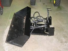 Homemade garden tractor bucket fashioned from Cheap Table Saw, Firewood Processor, Homemade Trailer, Marble Machine, Mini Excavator, Hydraulic Cylinder, Farm Tools, Snow Plow, Homemade Tools