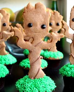 Baby Groot Cupcakes C'mon, you know they're adorable .Baby Groot Cupcakes Via #Tastyfoodvideo