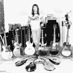 Steve Howe of Yes with his electric guitar collection, circa Classic Nursery Rhymes, Nursery Rhymes Songs, Easy Guitar, Guitar Tips, Yes Band Members, Steve Howe, Music Pics, Guitar Collection, Progressive Rock