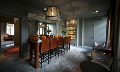 Breakfast area. Breakfast bar in velvet, cognac colours