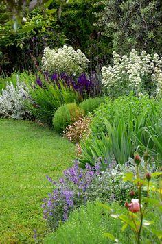 Garden | La Pietra Rossa Design - ✳ #Home #Landscape #Design via Christina Khandan, Irvine California ༺ ℭƘ ༻ IrvineHomeBlog