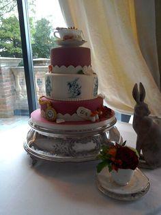 Alice in wonderland cake Alice In Wonderland Cakes, Cake Blog, Desserts, Food, Tailgate Desserts, Deserts, Meals, Dessert, Yemek