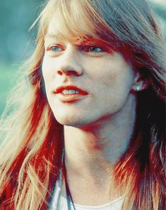 AXL ROSE...fresh faced and innocent...