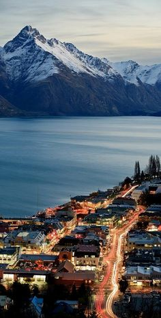 This city was not what I expected, it was so much more amazing and it was even in the middle of summer!  Queenstown, Otago, New Zealand (by Paul Simpson. on Flickr)