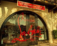 Highland Park Village provides the perfect setting in Dallas for the Christian Louboutin Boutique. All About Fashion, Passion For Fashion, Crazy Shoes, Me Too Shoes, Highland Park Village, Luxury Store, Shop Till You Drop, Only Shoes, Christian Louboutin Shoes